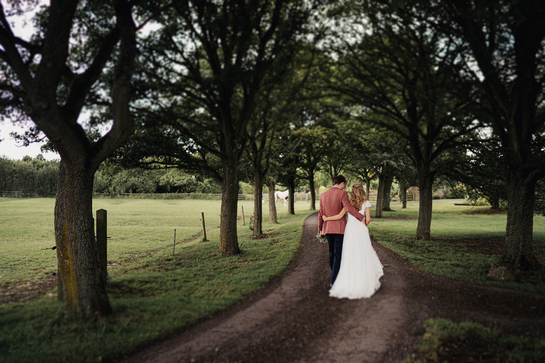 Oxleaze Barn Wedding Photos0052.jpg