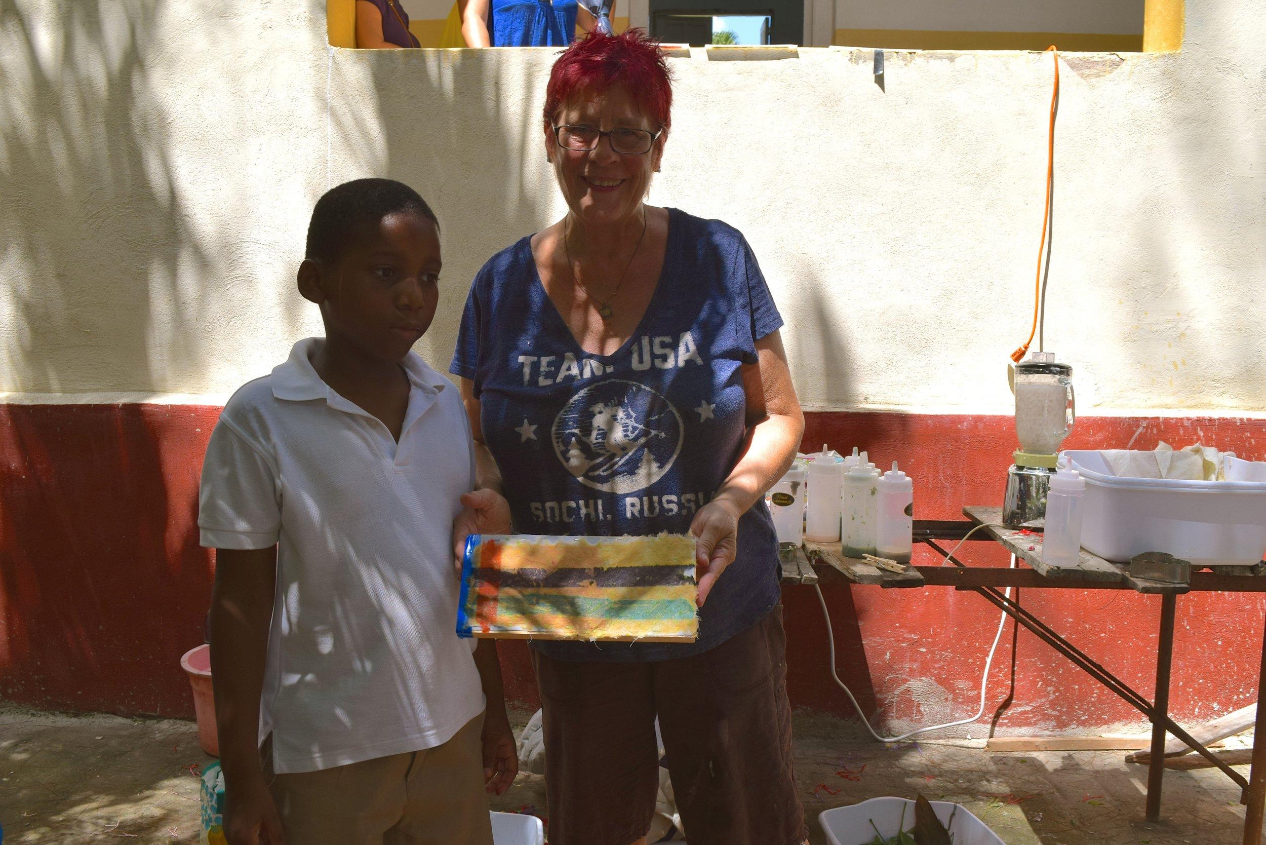 ARTIST'S MAKING CHANGES - HAVANA, CUBA