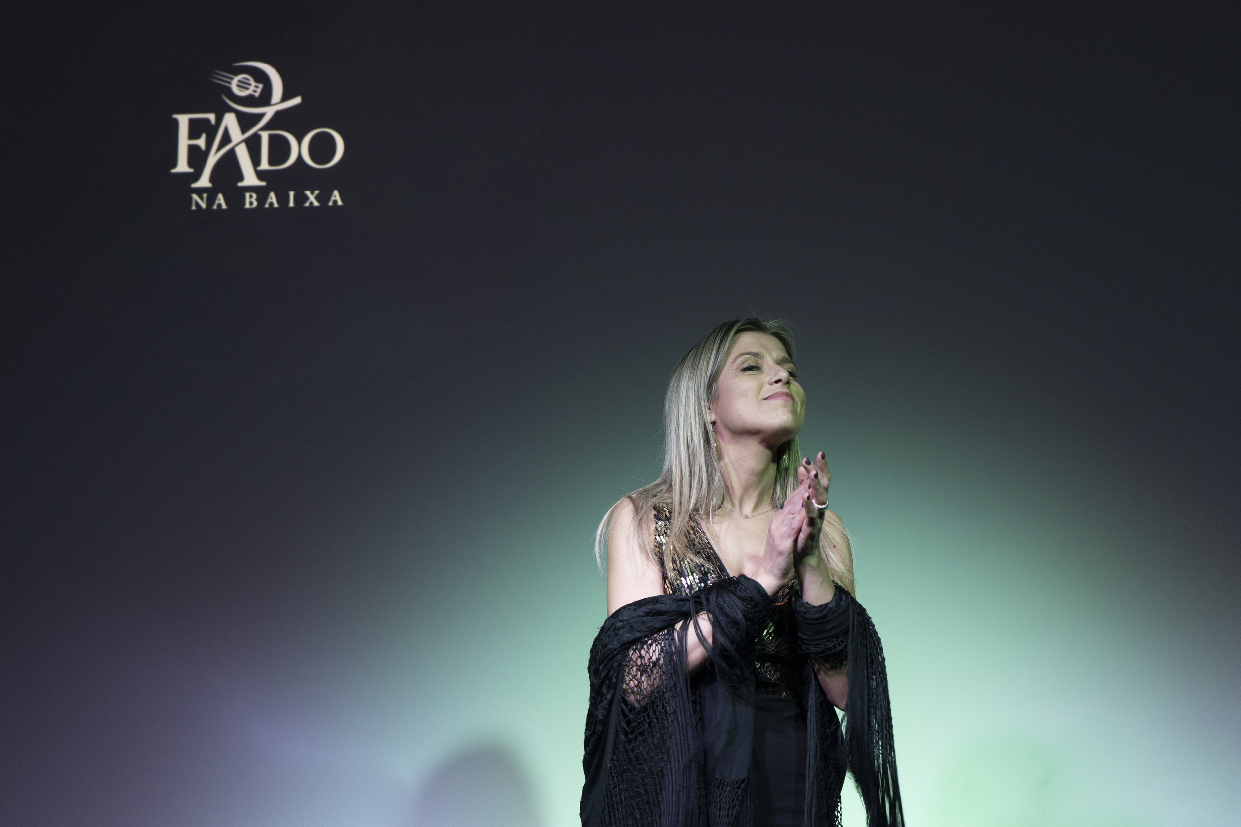 """SANDRA CRISTINA - VOZNatural de Leça da Palmeira, iniciou-se na música muito cedo. Venceu a """"Grande Noite do Fado"""", no Porto, e impôs-se, desde então, como uma regular certeza no panorama artístico da cidade. Recentemente, foi convidada a integrar o elenco do musical """"Amália""""."""