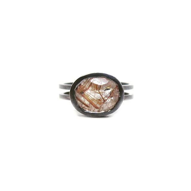 Quartz with copper rutile is making this ooak scaffold ring sing...🤩