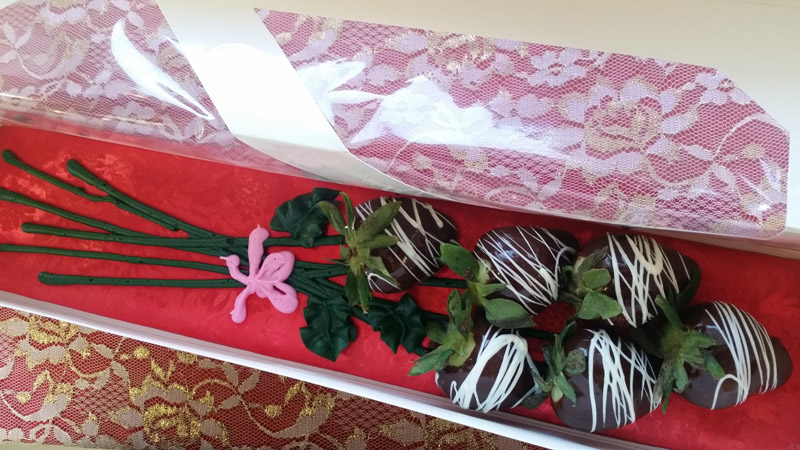 chocolate-berry-bouquet.jpg