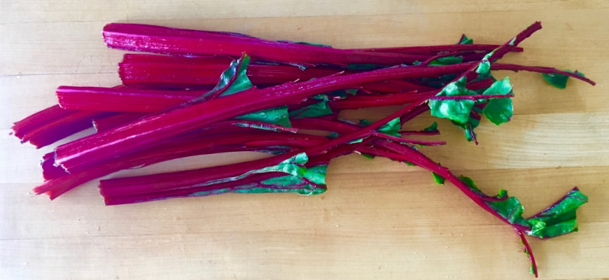 Don't throw out the stems from your Swiss Chard! See all that color? Color = nutrients. We don't trash nutrients here. ;)