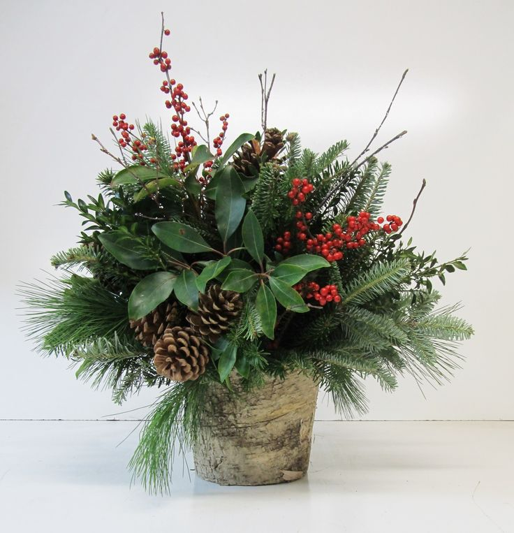 Fresh Patio Arrangment - You will have a choice of containers in order to create Patio Container filled with a beautiful fresh cut selection of fragrant greens:Douglas FirSilver TipWhite FirSugar PineIncense Cedar Celebrate the season with our famous Toddies, served up piping hot at all our classes.This class is presented in an area that can be chilly, please dress accordingly.
