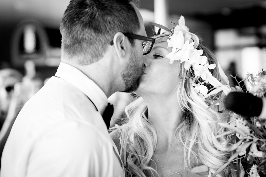 Black and white kiss couple Namibian wedding photography by Willem Vrey