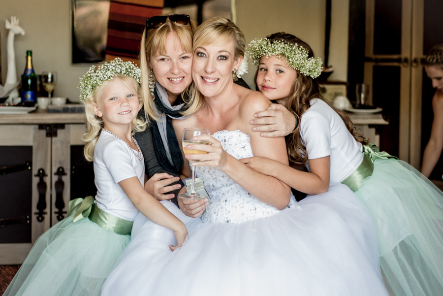 The girls Namibia wedding photography by Willem Vrey