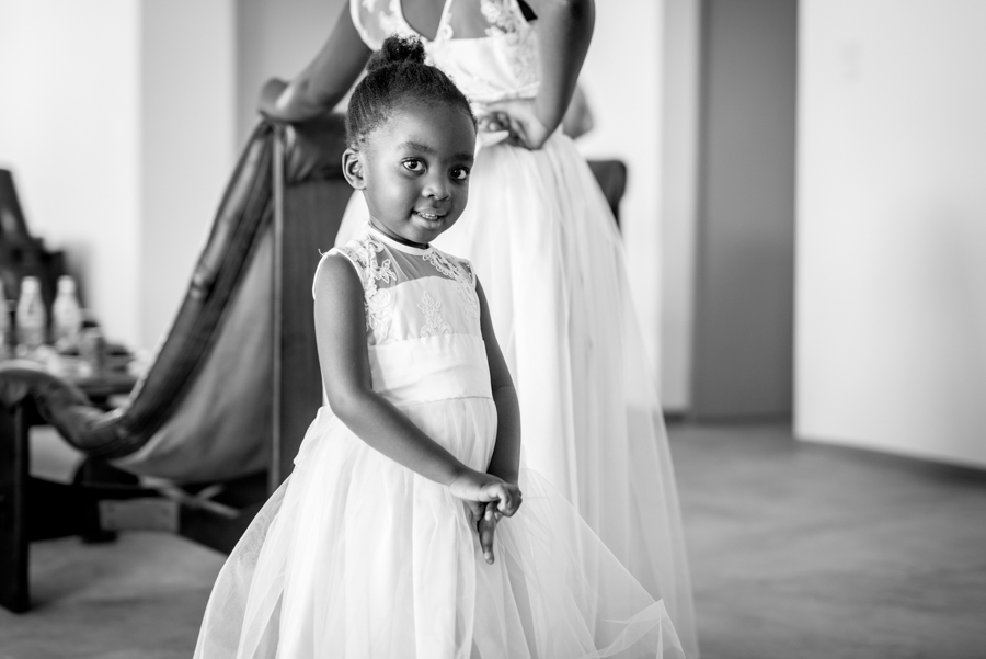 Little girl Namibian wedding photography by Willem Vrey
