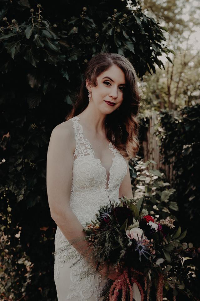 Dark-moody-burgendy-lipstick-vintage-fall-wedding-bridal-makeup (1).jpg