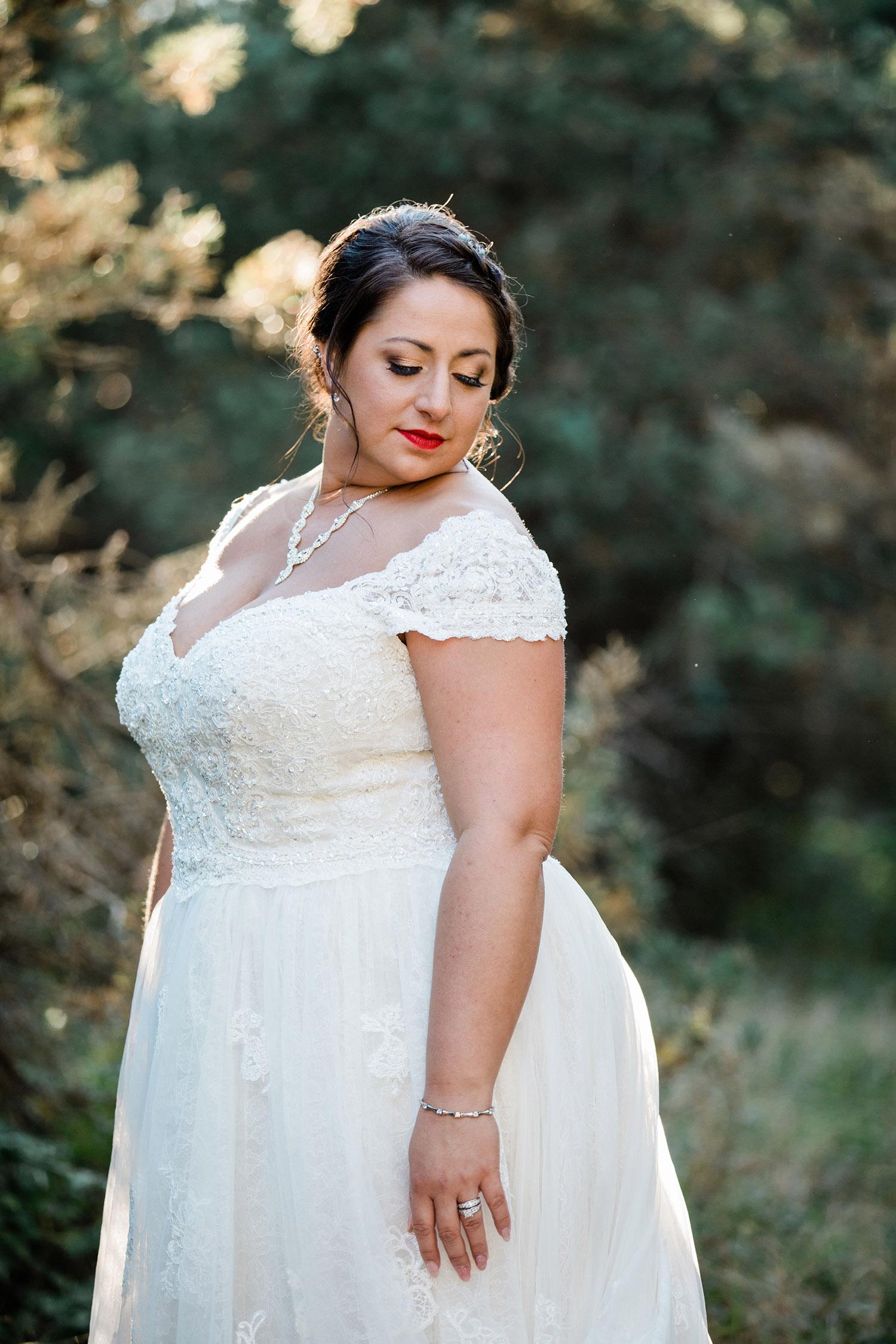 Red-Lipstick-Smokey-Eye-Wedding-Bridal-Makeup (13).jpg