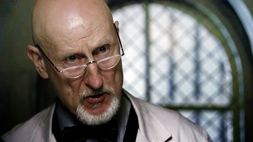 Arthur-arden-james-cromwell-american-horror-story-4.png