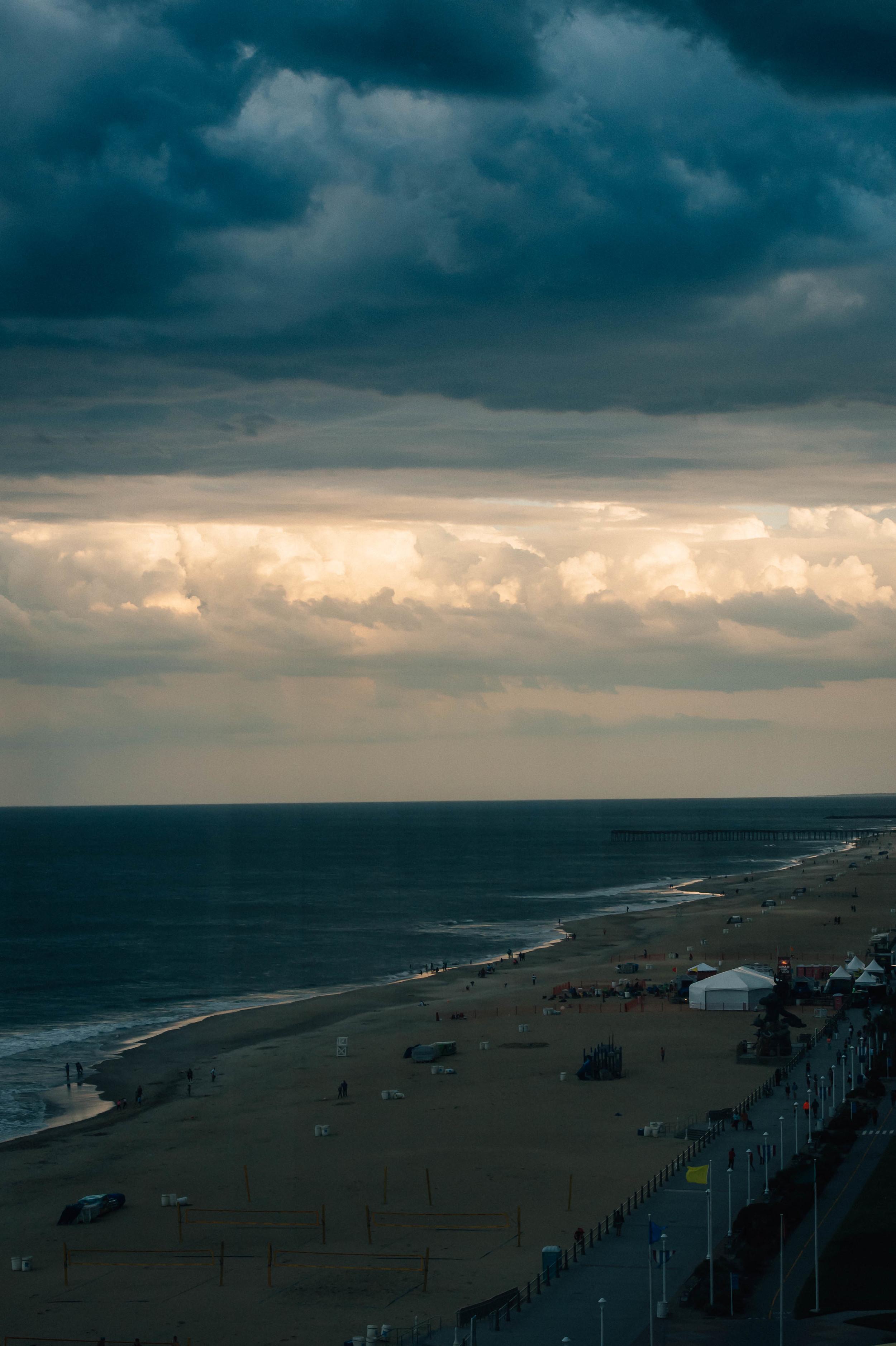 virginia-beach-wedding-photography-oceanfront-storm-clouds-melissa-bliss-photography