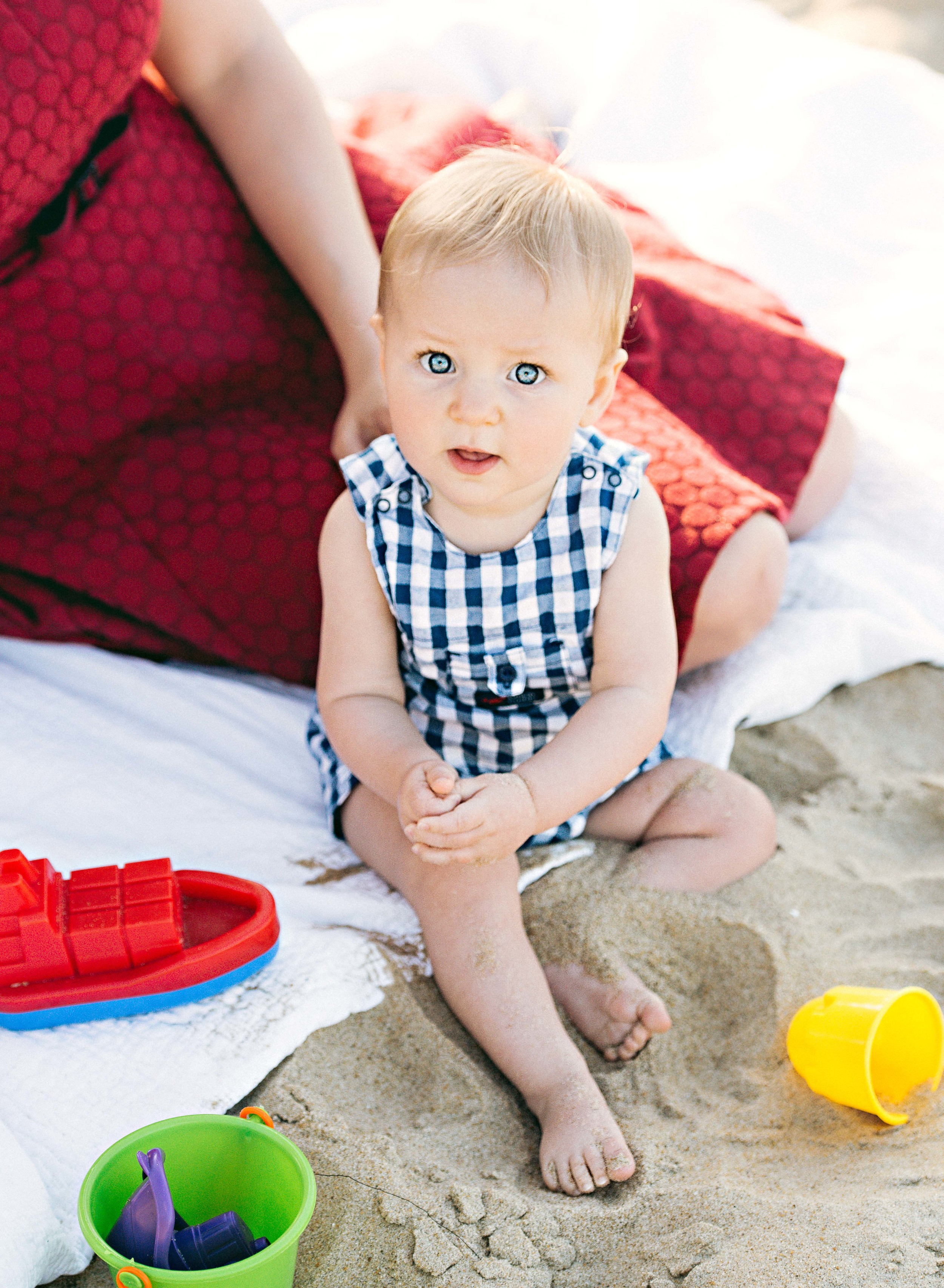 virginia-beach-family-photographer-east-beach-family-session-melissa-bliss-photography-sandbridge-va-beach