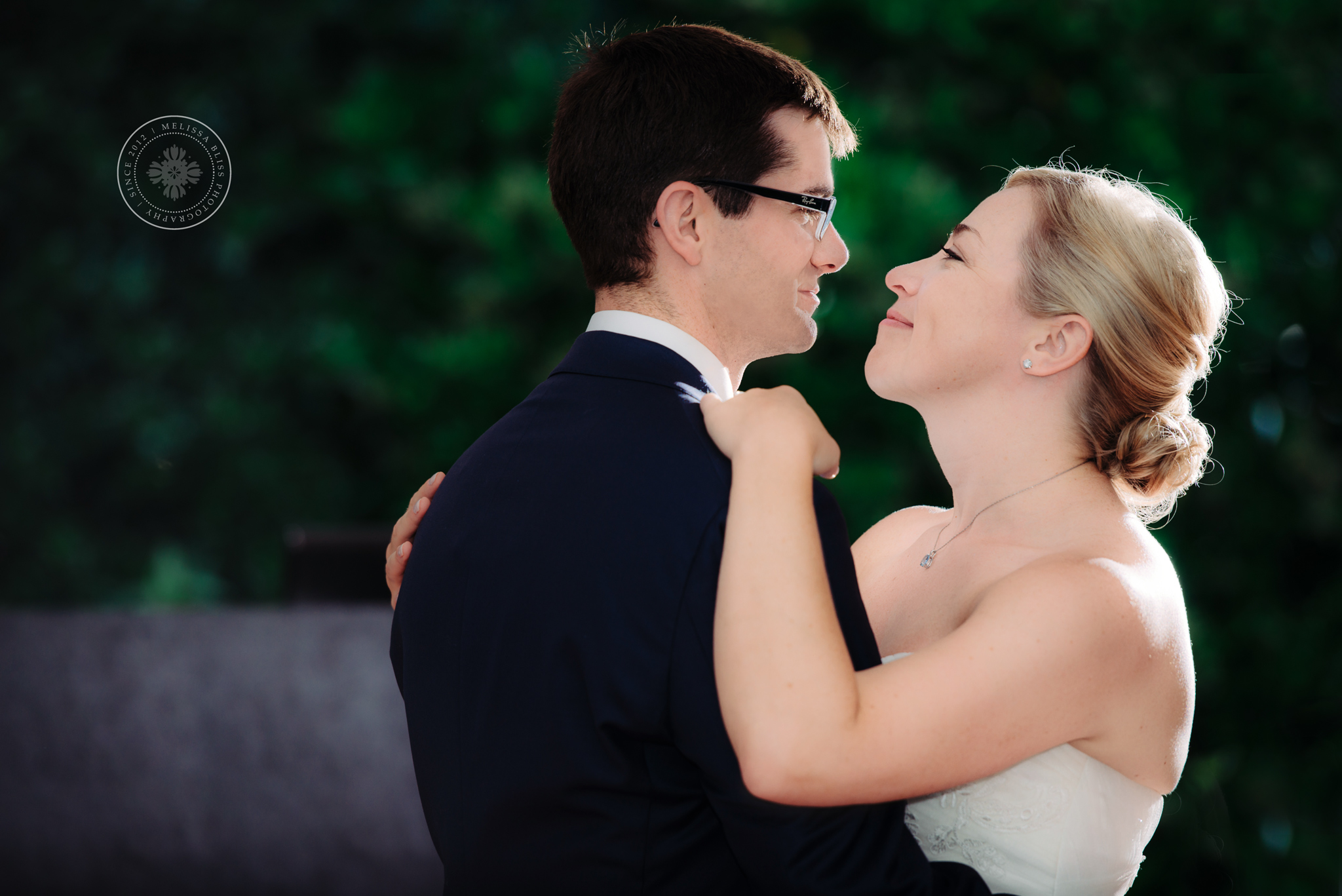 hampton-roads-wedding-photographer-melissa-bliss-photography-church-point-manor-wedding-venue-virginia-beach-first-dance-real-weddings