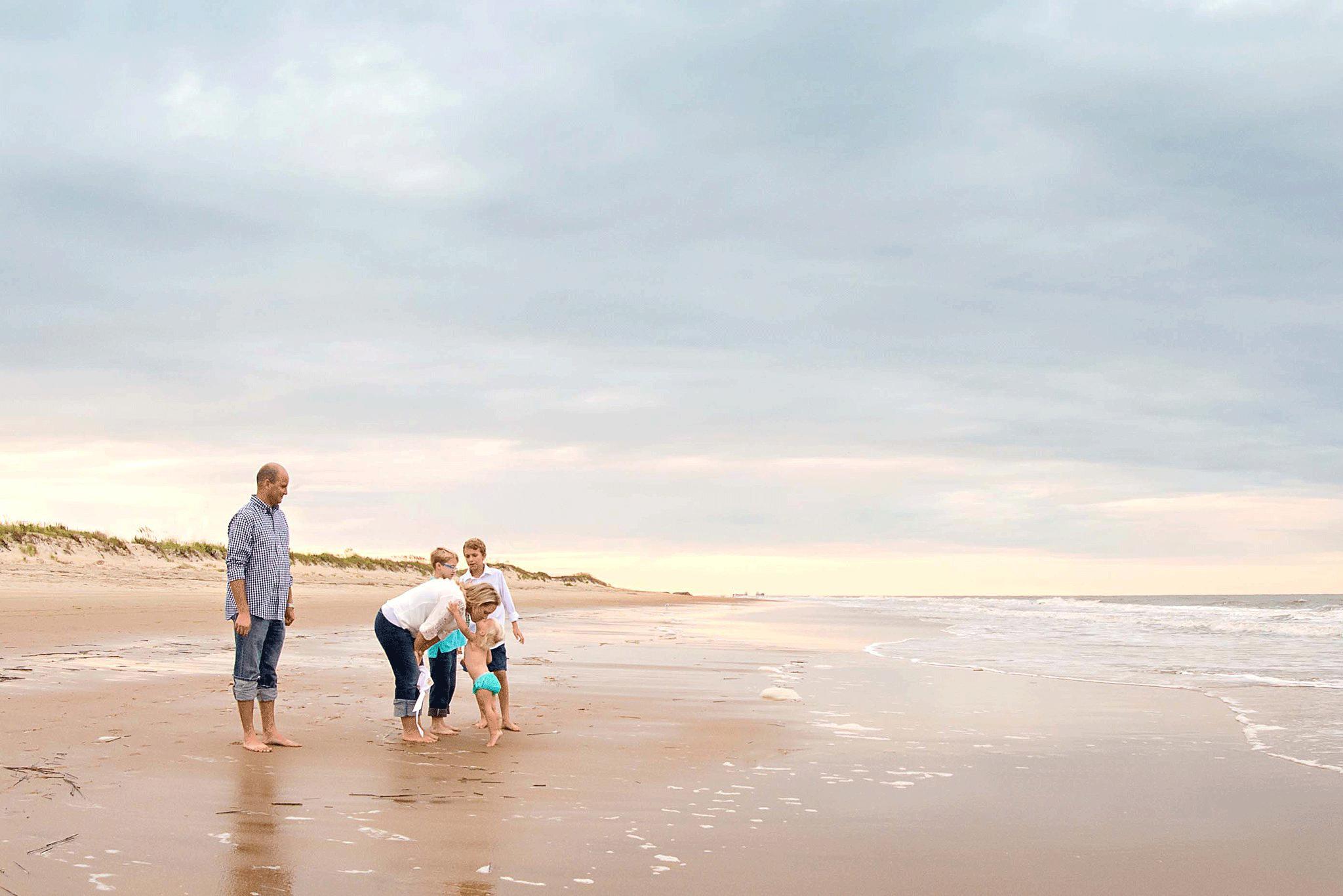 virginia-beach-family-photographers-lifestyle-beach-photography-melissa-bliss-photography-norfolk-portsmouth-chesapeake-photographer.png