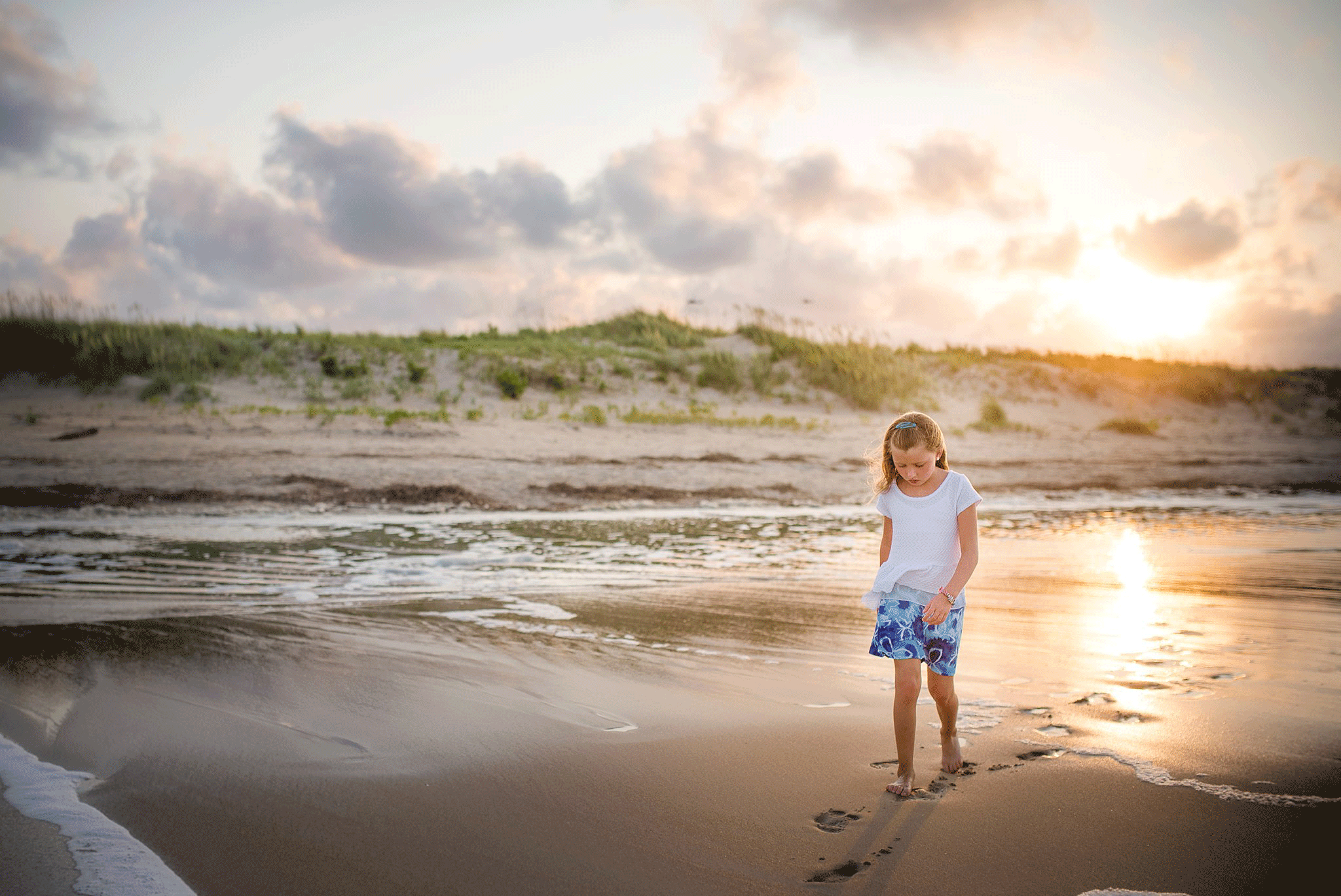 virginia-beach-child-family-lifestyle-photography-sandbridge-beach-sunsest-photos-melissa-bliss-photography-professional-photographers