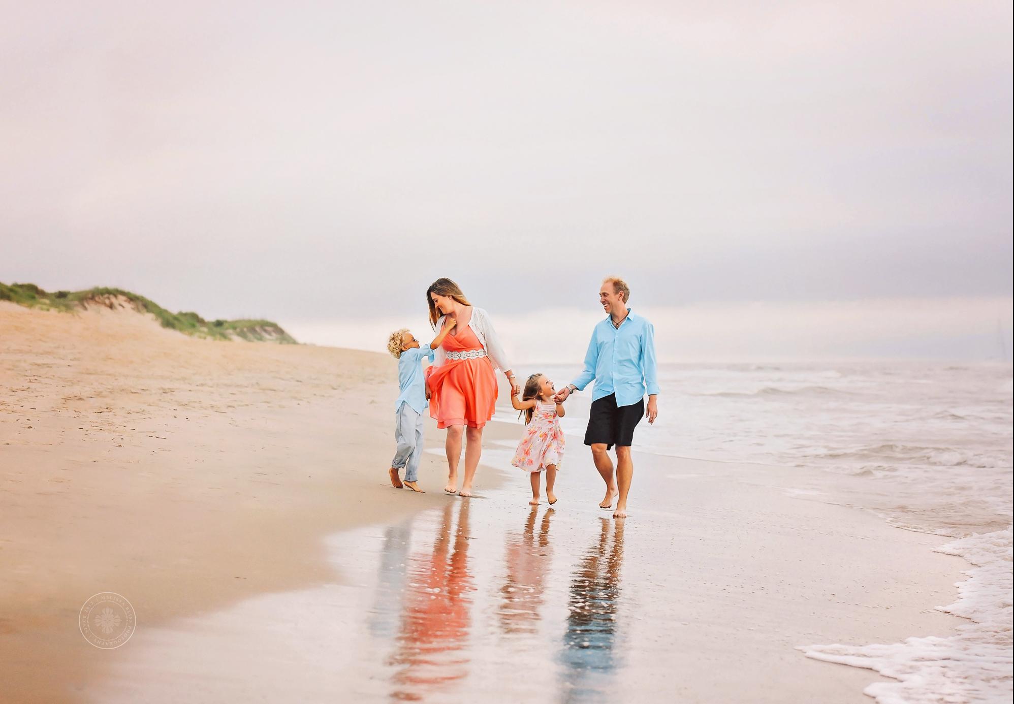 virginia-beach-family-photographers-melissa-bliss-photography-family-beach-photo-session-2.jpg