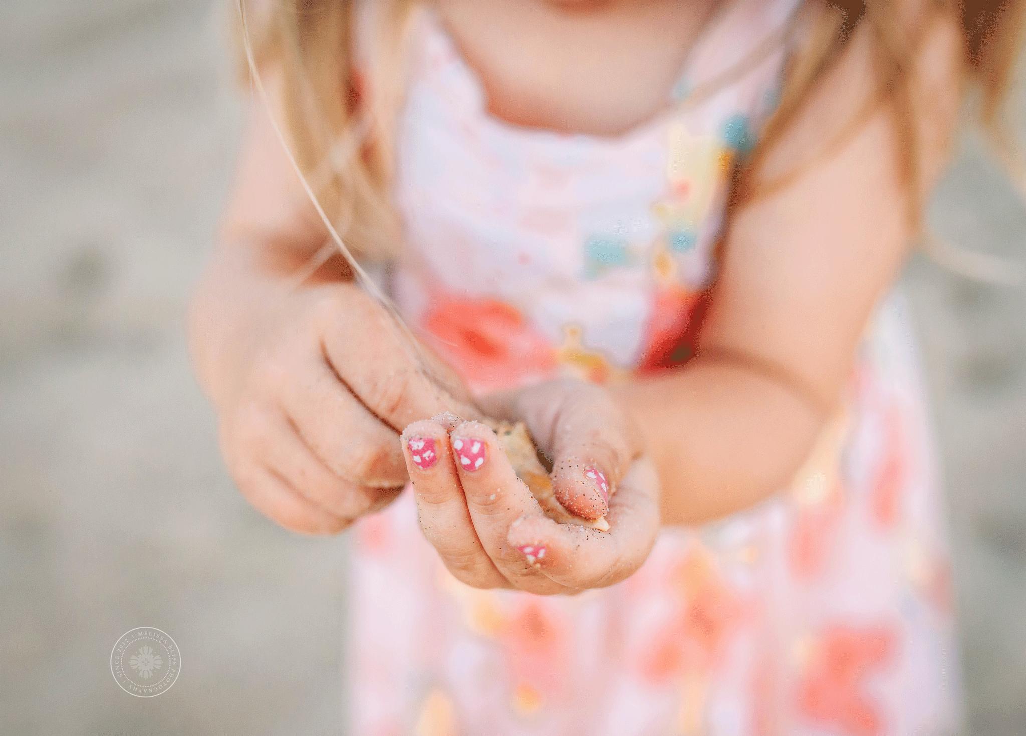collecting-seashells-melissa-bliss-photography-virginia-beach-norfolk-porstmouth-sandbridge-beach-photographers.png