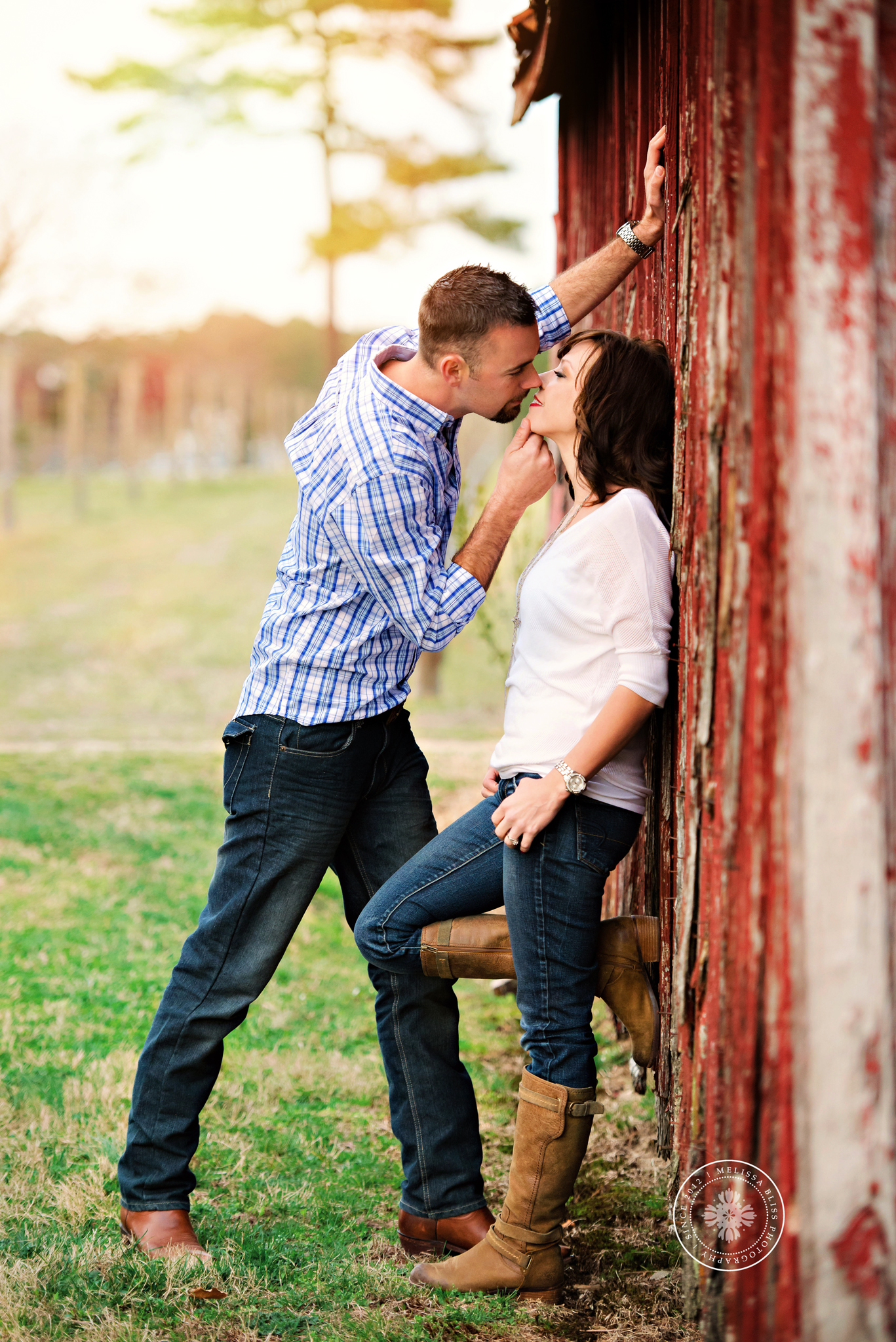 norfolk-chesapeake-suffolk-williamsburg-virginia-beach-photographers-smithfield-photo-session-engagement-photos-family-photographers-melissa-bliss-photography-fall-sessions.jpg