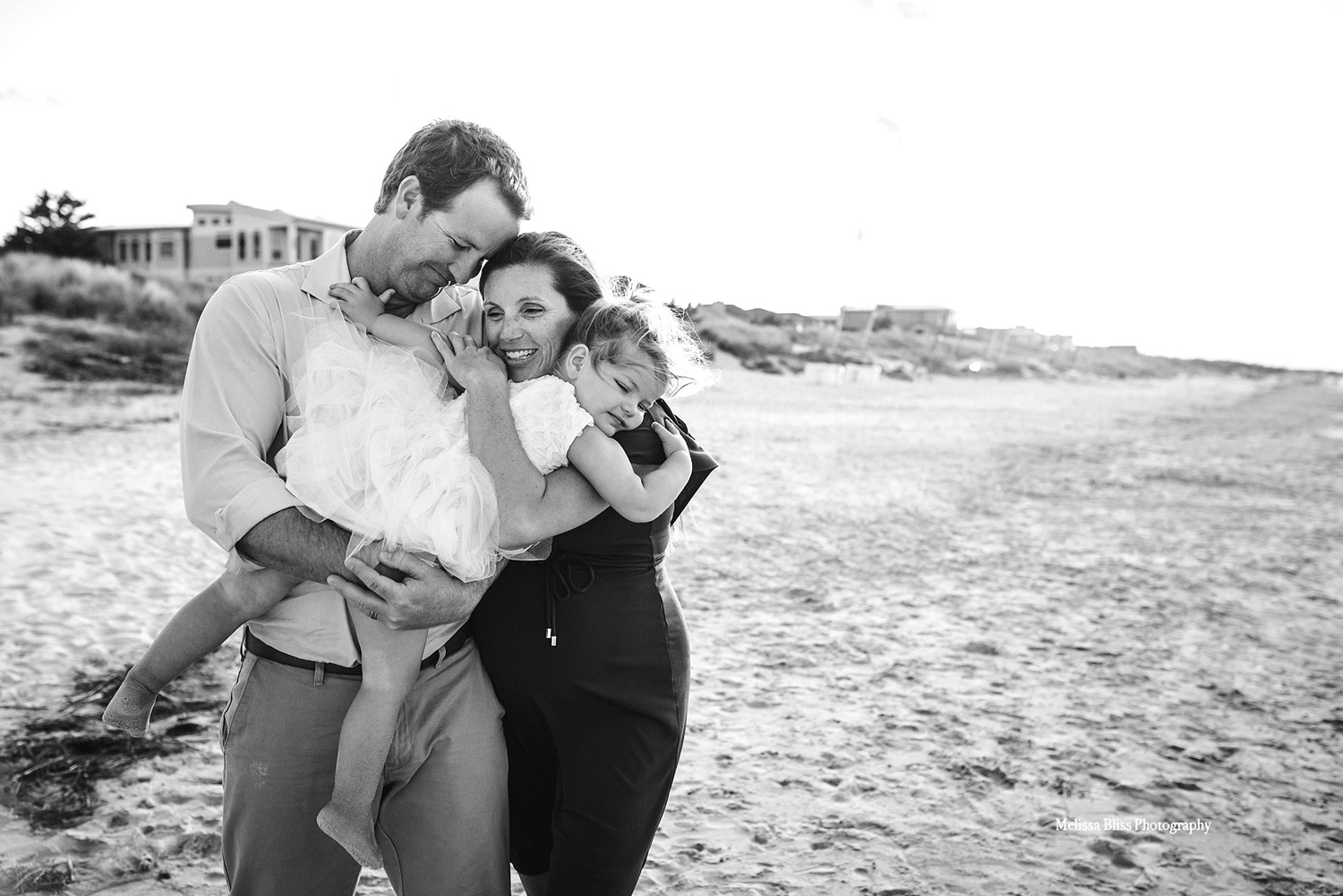 norfolk-virginia-beach-maternity-photographer-family-maternity-pictures-on-the-beach-melissa-bliss-photography.jpg