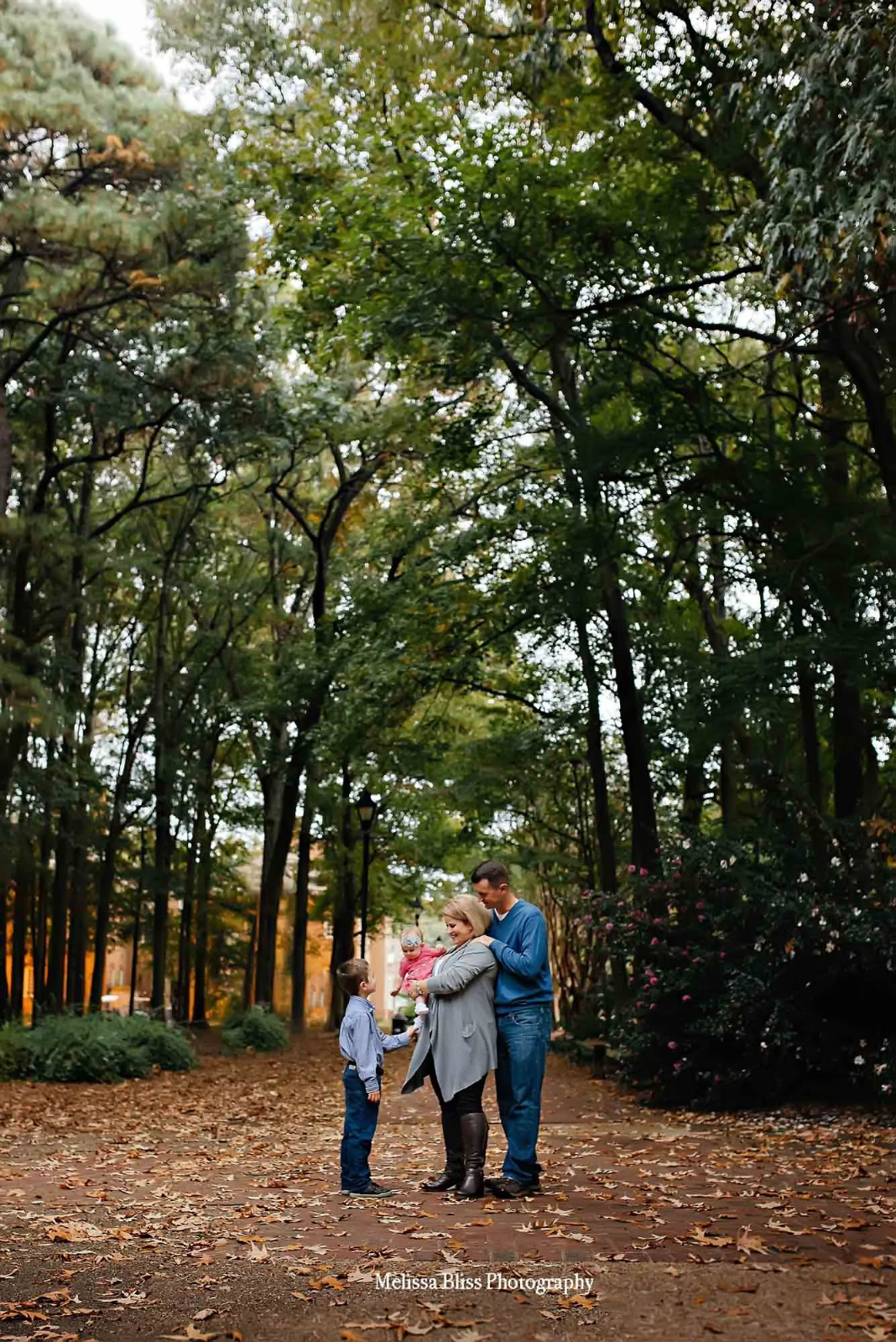 virginia-beach-family-photographer-family-lifestyle-photo-regent-university-campus-melissa-bliss-photography-fall-sessions.jpg