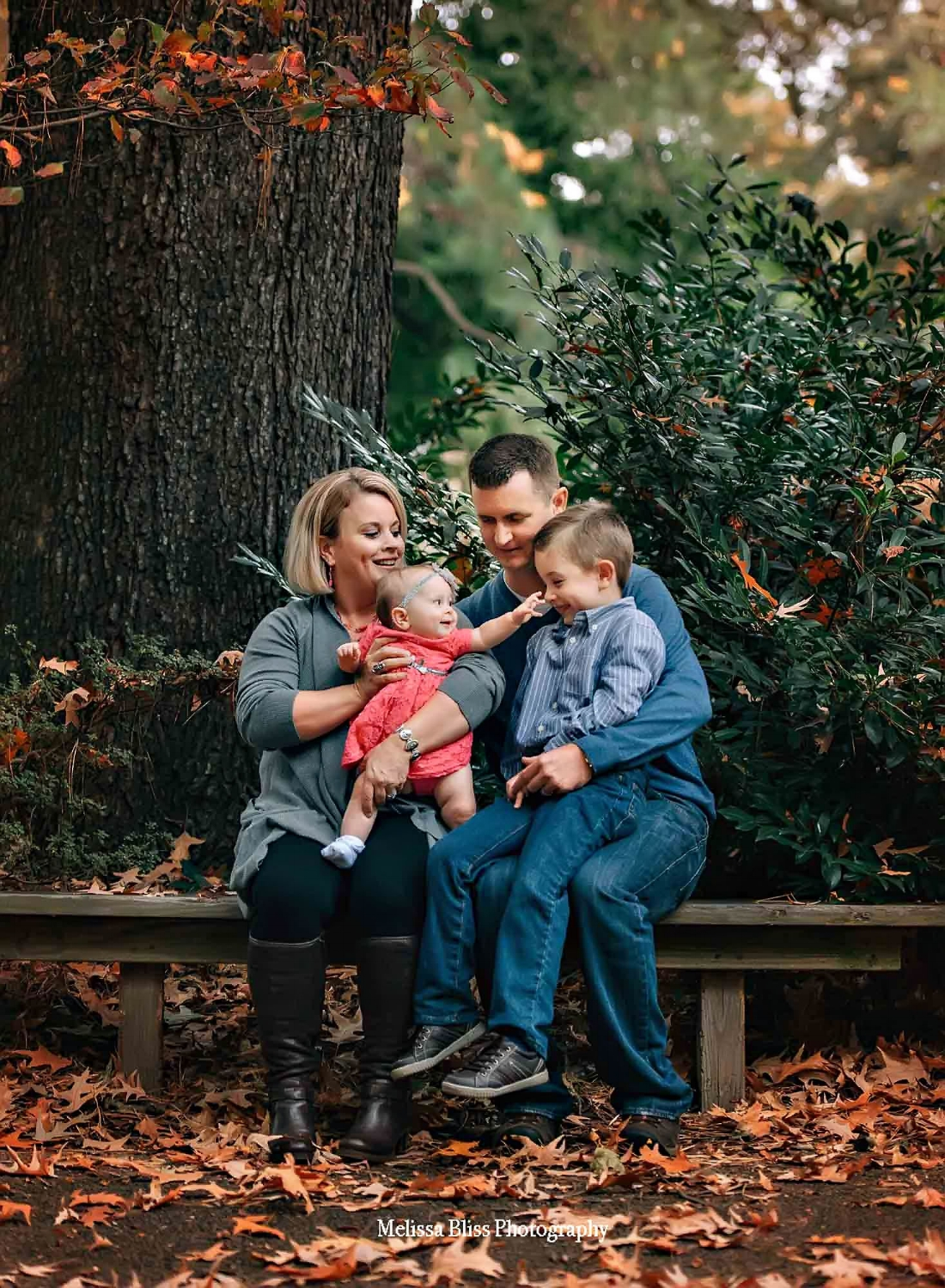 family-photo-fall-lifestyle-session-melissa-bliss-photography-norfolk-virginia-beach-chesapeake-family-photographers.jpg