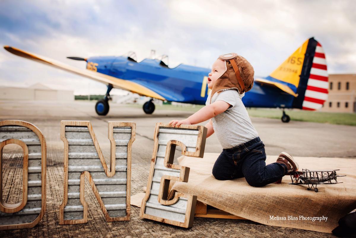 Vintage-airplane-pilot-first-birthday-photos-norfolk-virginia-beach-portsmouth-child-photographer-melissa-bliss-photography.jpg