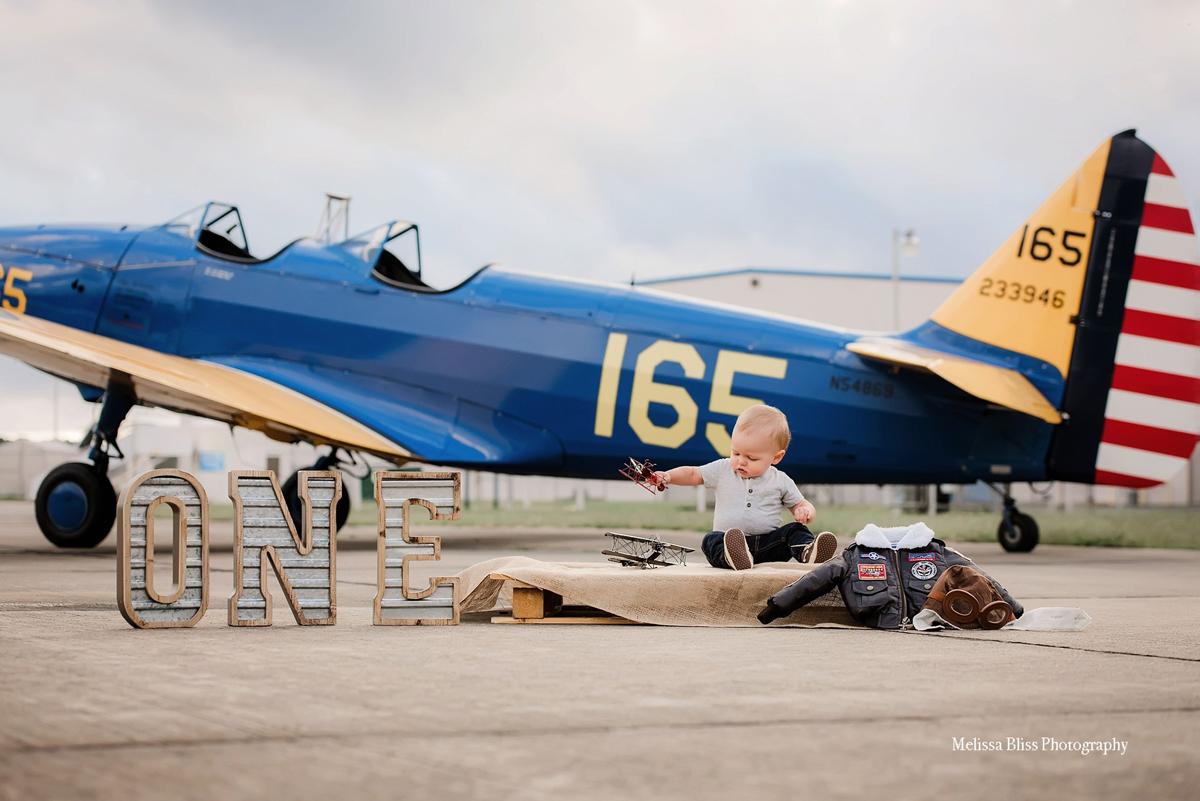 child-portraits-vintage-airplane-norfolk-chesapeake-virginia-beach-photographer-melissa-bliss-photography.jpg