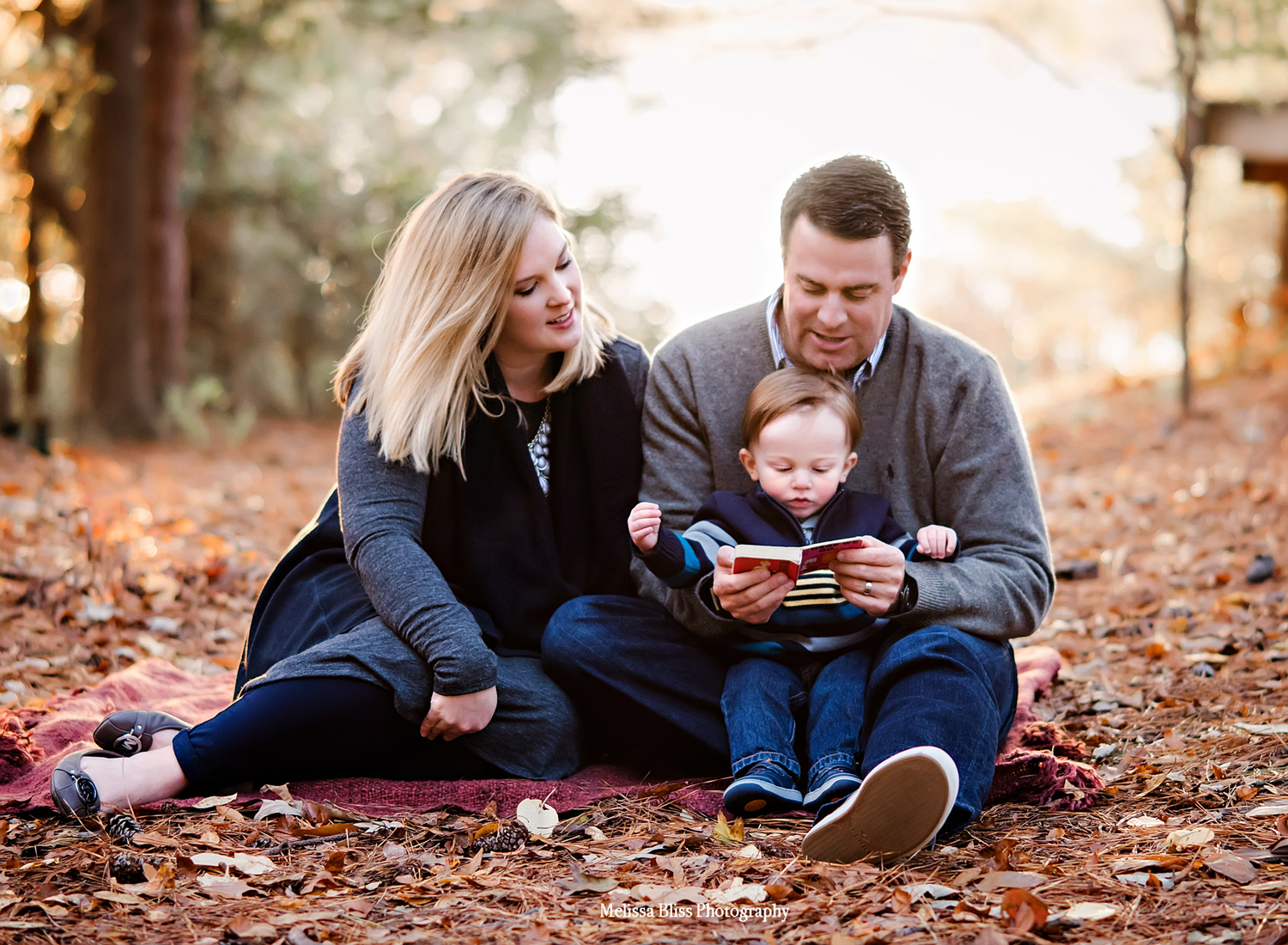 family-of-three-fall-photos-at-great-neck-park-by-melissa-bliss-photography-virginia-beach-lifestyle-photographer.jpg