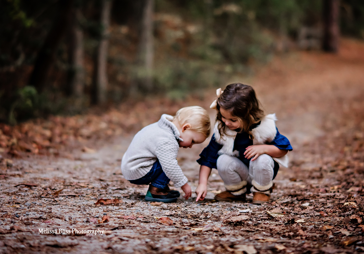 virginia-beach-family-photographer-first-landing-mini-session-melissa-bliss-photography-siblings.jpg