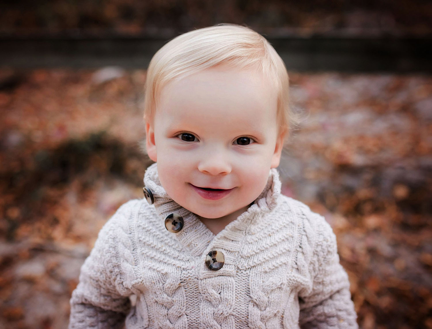 outdoor-portrait-of-a-toddler-boy-by-melissa-bliss-photography-norfolk-portsmouth-chesapeake-photographer.jpg