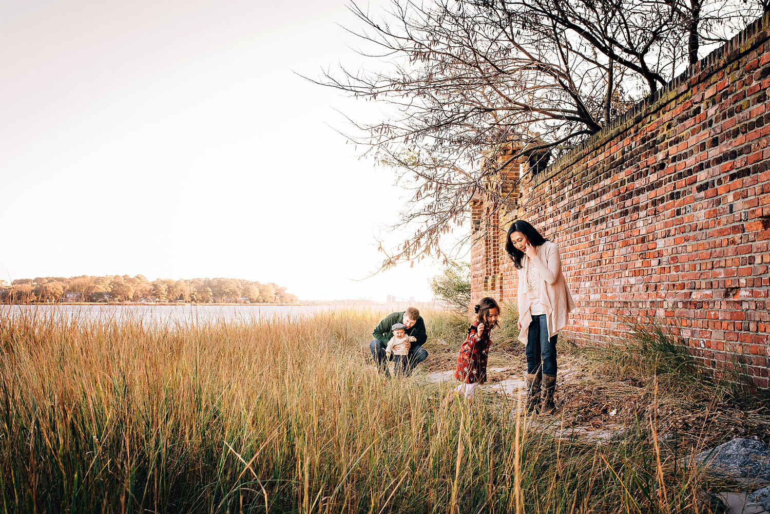 beautiful-hermitage-museum-outdoor-family-photos-by-melissa-bliss-photography-norfolk-photographer.jpg