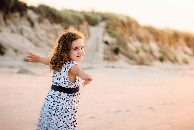 family-lifestyle-photos-on-the-beach-by-melissa-bliss-photography-virginia-beach-va.jpg