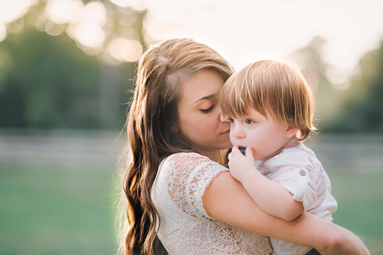 photographers-in-norfolk-va-motherhood-mini-sessions.jpg