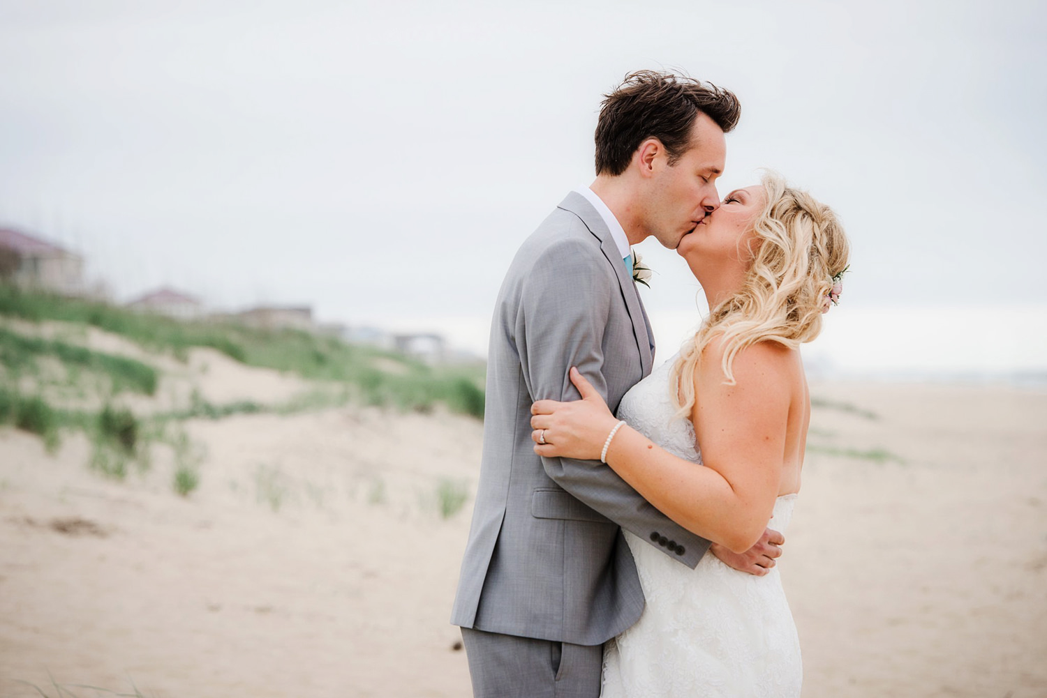 Sandbridge-Beach-Wedding-Bride-groom-Portrait-Melissa-BLiss-Photography-VA-Beach-wedding-Photographer.jpg