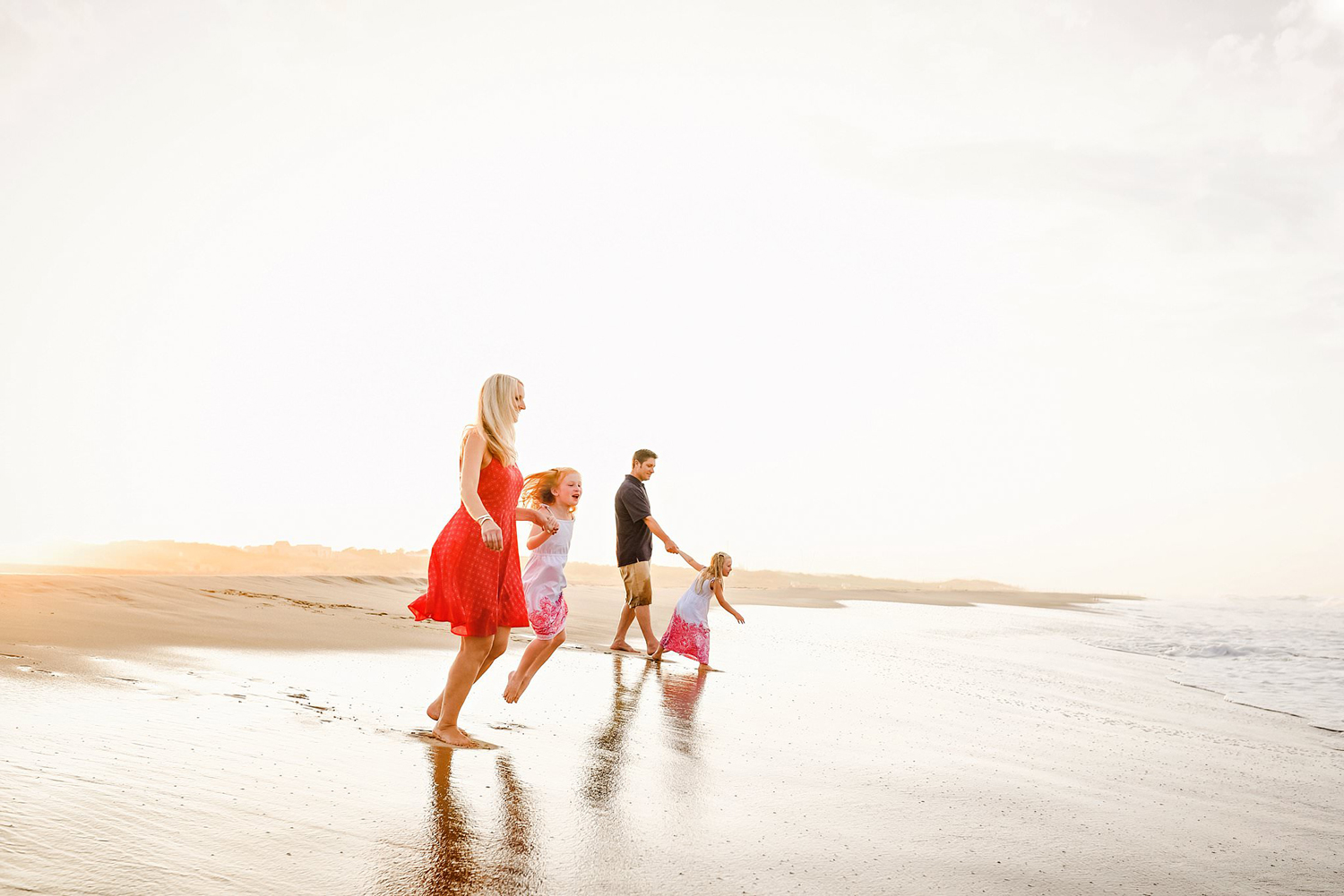 virginia-beach-family-lifestyle-photoshoot-at-sunset-melissa-bliss-photography.jpg