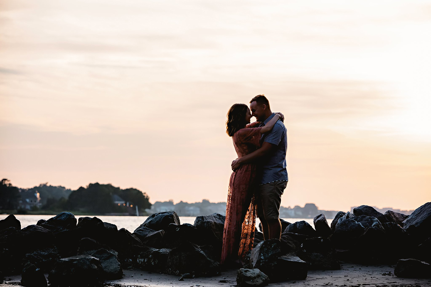 virginia-beach-engagement-photographer-melissa-bliss-photography-sunset-engagemnet-pictures-at-the-park.jpg