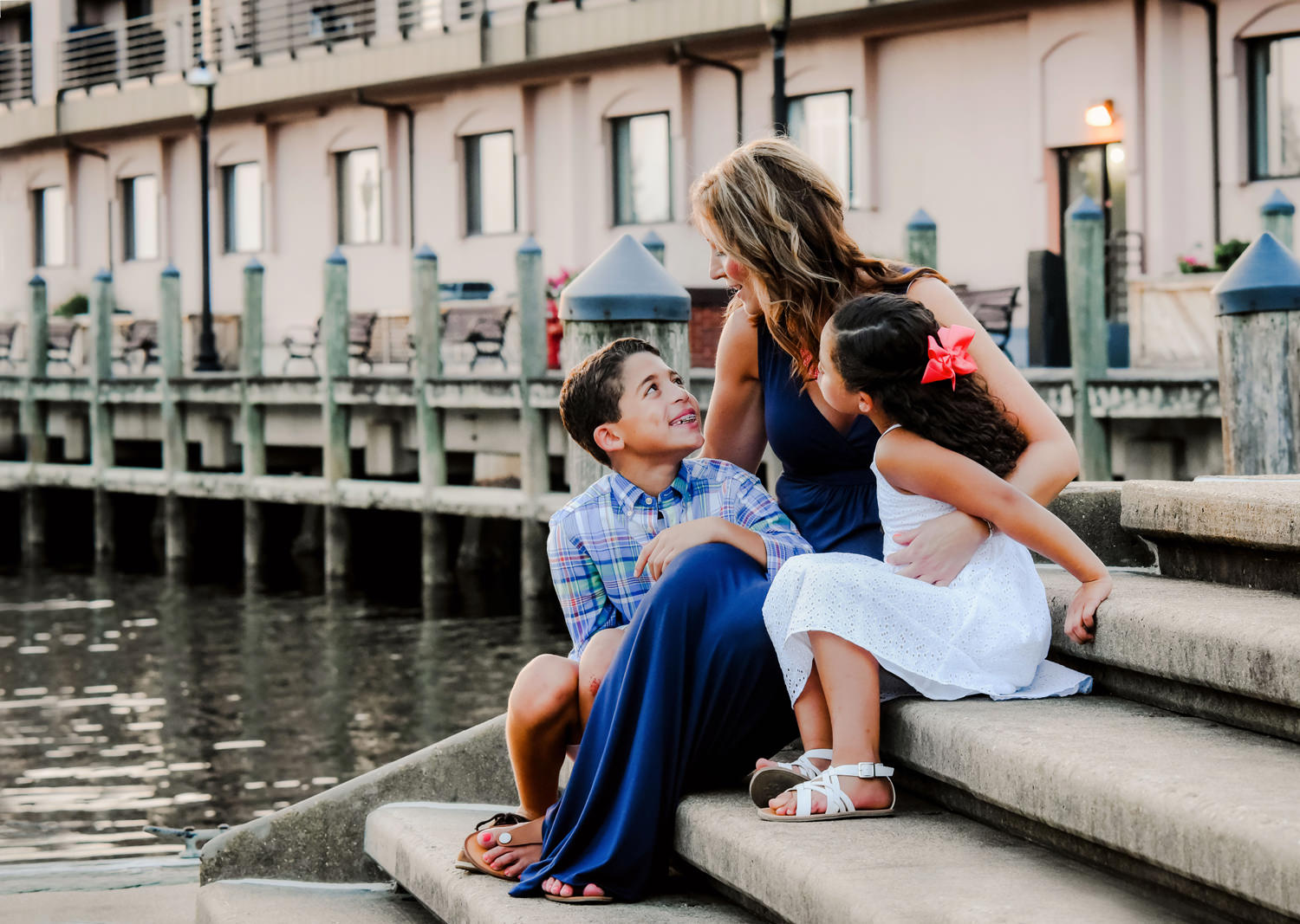 hampton-roads-photographer-family-mini-session-downtown-norfolk-va-melissa-bliss-photography.jpg