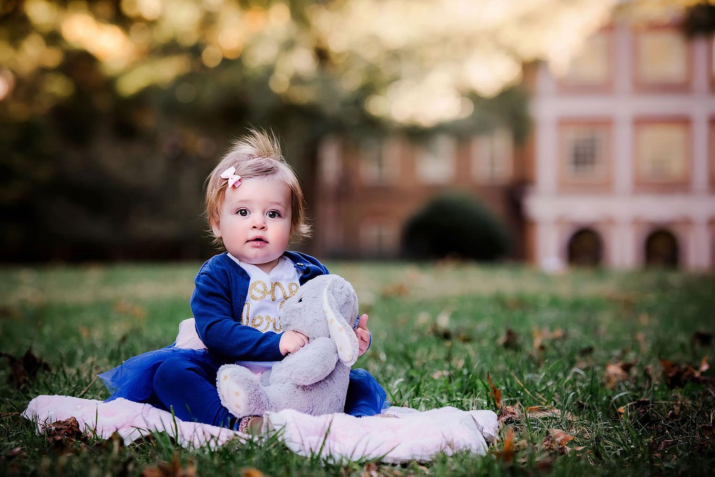 one-year-photos-norfolk-child-photographer-melissa-bliss-photography-regent-university-photo-shoot.jpg