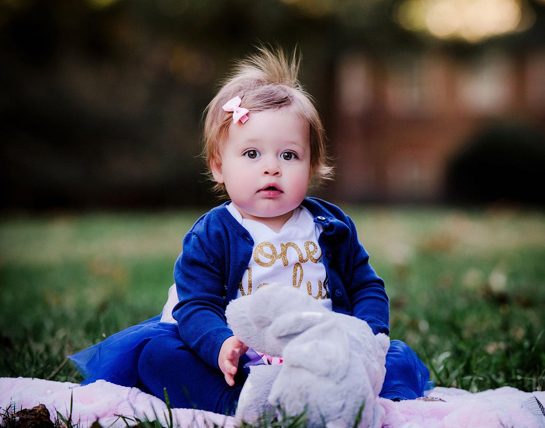 first-year-photos-baby-girl-virginia-beach-regent-university-melissa-bliss-photography.jpg