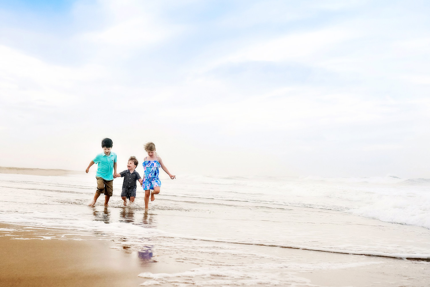 kids-running-on-the-beach-virginia-beach-lifestyle-photos-melissa-bliss-photography.jpg