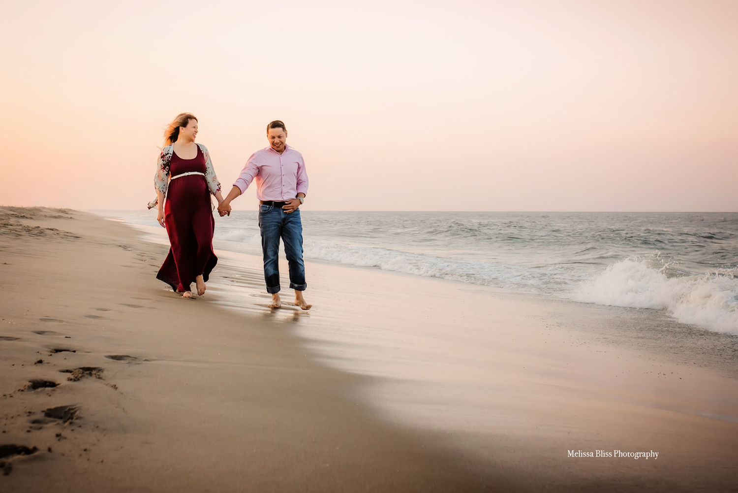 beach-maternity-pictures-melissa-bliss-photography-virginia-beach-maternity-photographers.jpg