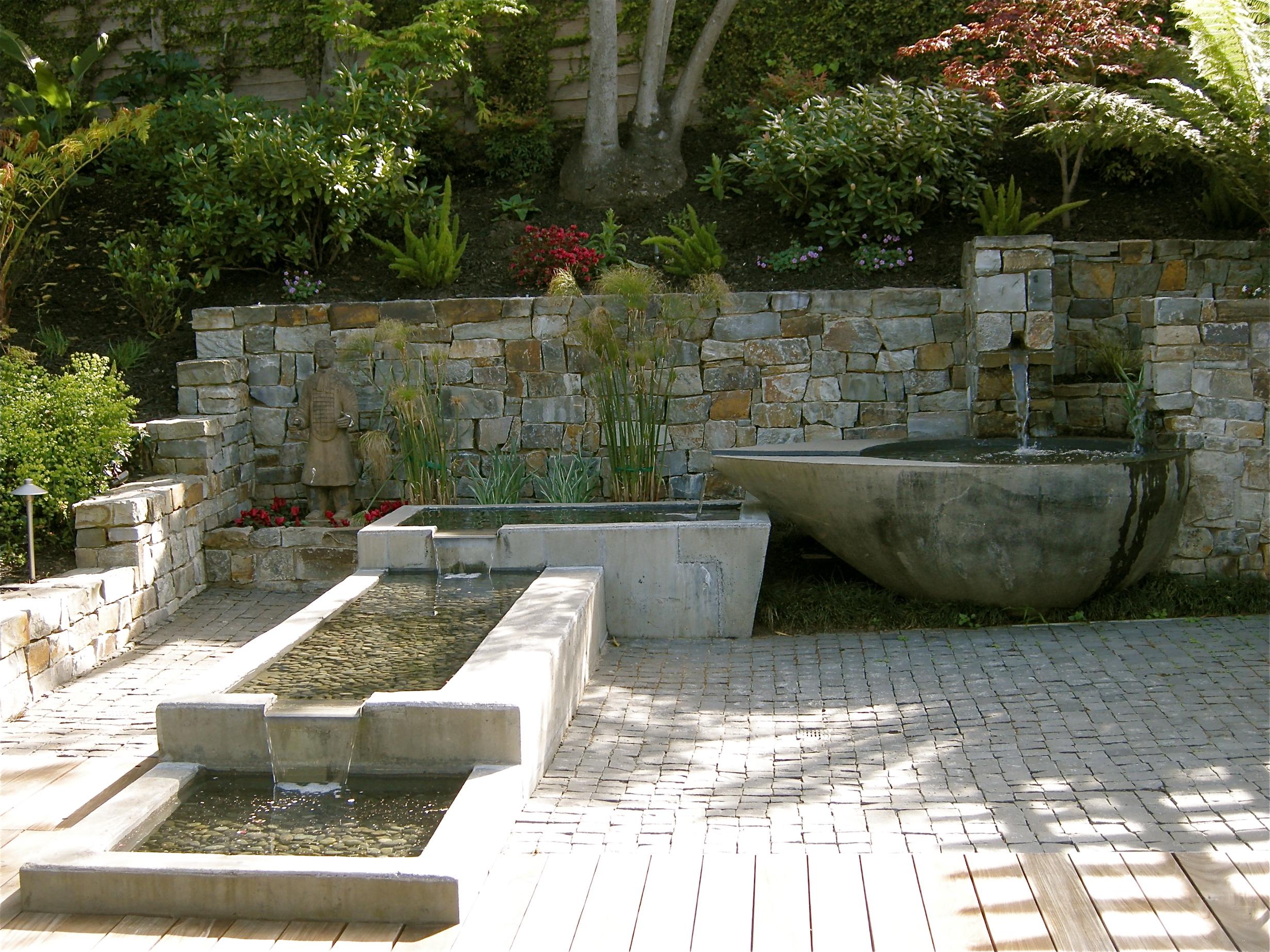 Holliday_fountain3.JPG
