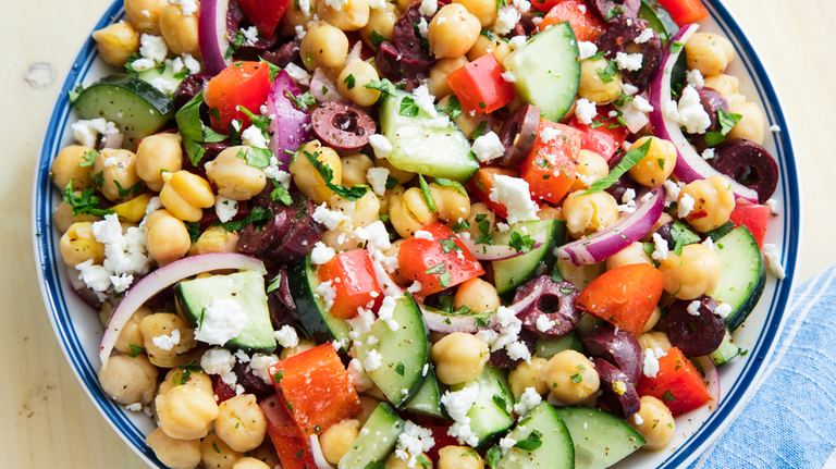 mediterranean-chickpea-salad-1526077481.png