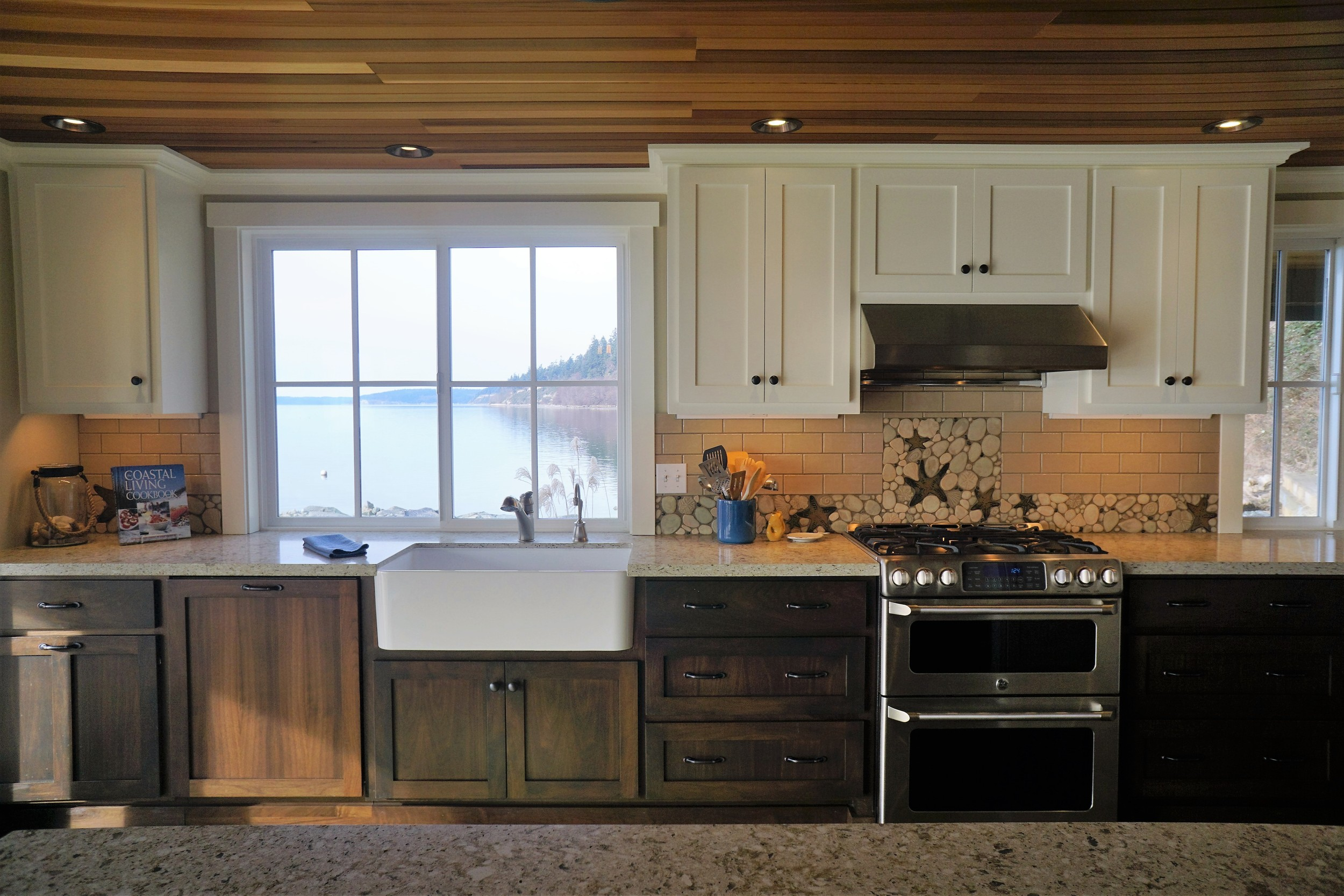 Kitchen (2) (2).JPG