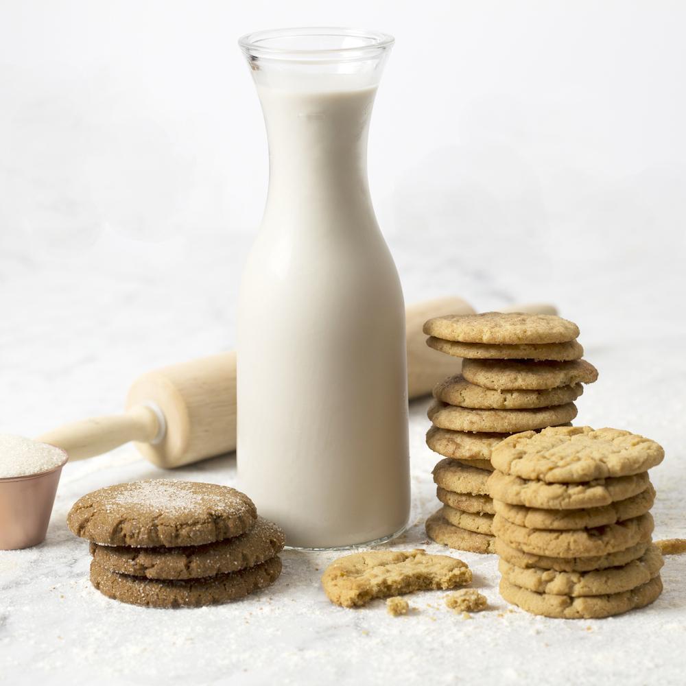 milk cookies horiz.jpg