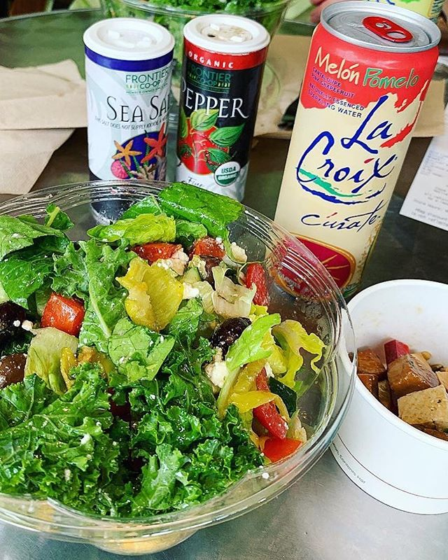 Food Writer @CaronEats knows all the best local lunch spots, like our Baymeadows Deli! Her picks? Greek salad with a side of tofu and a @lacroixwater. What's your go-to lunch at @NativeSunJax? 🥗 📸:@CaronEats . . . . #gonative #nativesunjax #salad #greeksalad #tofusalad #healthylunch