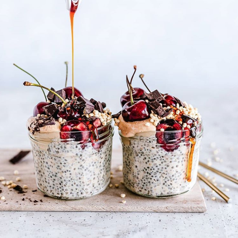Cherry Chocolate Chia Overnight Oats (1).png
