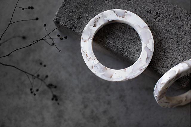 Perfectly hand-molded polymer clay bracelets by @elizabethleflar. - 📸 @krisleboeuf