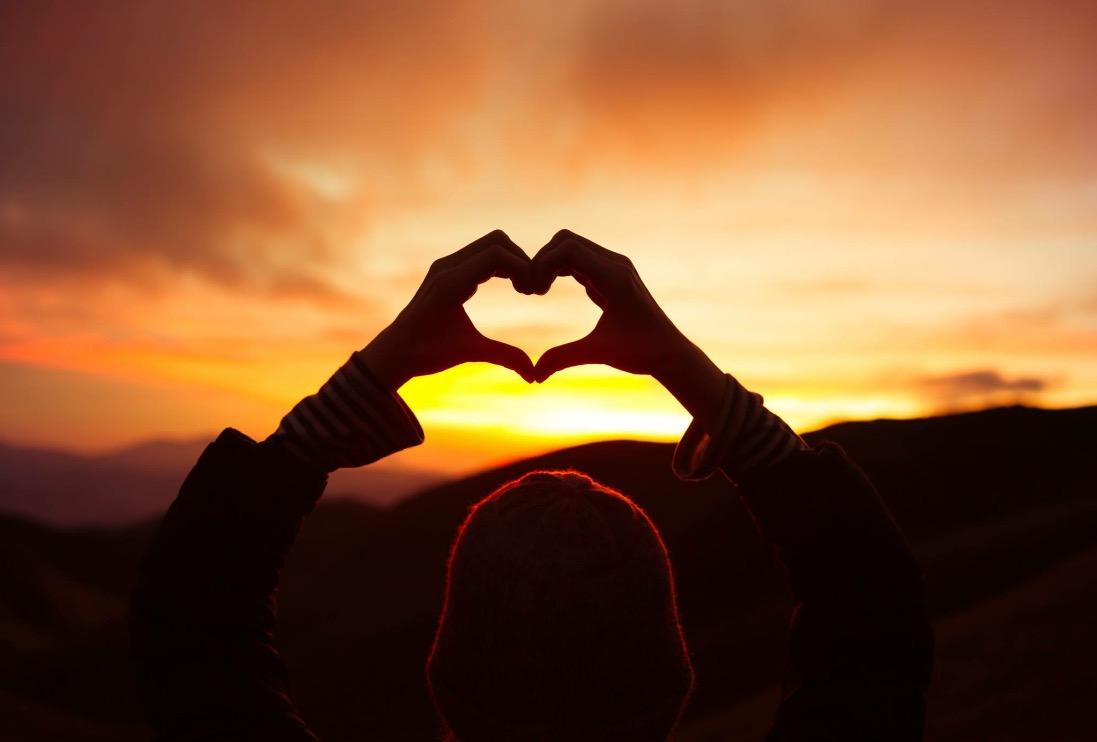 Hjerte med hender.jpg