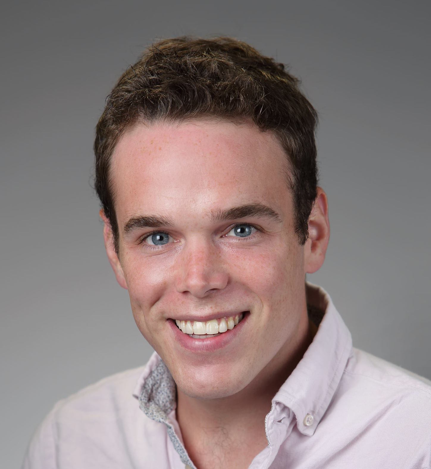 Noah Robinson - is a doctoral student at Vanderbilt University studying clinical psychology. He is developing Internet-based VR interventions to treat addiction.