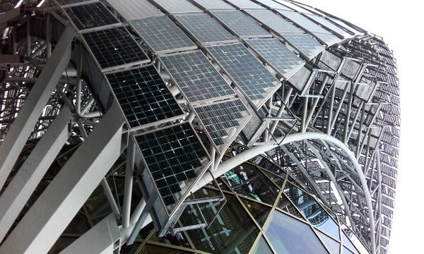 Arguably the most impressive solar tracker in the world. Also a unique representation of the multi-functional benefits of #architecturalsolar .  This #solarsail moves with the sun and shades the glass facade throughout the day while collecting optimal sunlight.  Cite Musicale de L'ile Seguin - Paris Designed by @shigeruban Architects and @jeandegastinesarchitectes  PV Glass Manufacturing and Installation by ASA Member: Issol  General Contractor: Baudin Chateauneuf  Photo Credit: Baudin Chateauneuf . . . . #archsolar #solararchitecture #paris #seineriver #leseinemusicale #solarenergy  #solartracker #solarpanels #pvglass #bipv